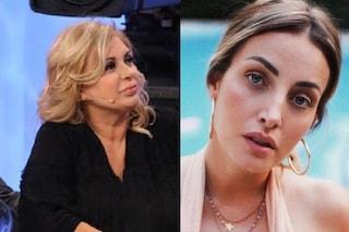 """Rossella Intellicato contro Tina Cipollari: """"Prende 5mila euro al mese per fare la cafona"""""""