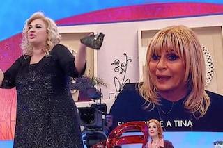 """Uomini e Donne, nuovo scontro tra Tina e Gemma, la dama torinese: """"Lei vive di luce riflessa"""""""
