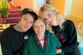 La nonna di Fedez ricoverata in ospedale, accanto a lei il rapper e Chiara Ferragni