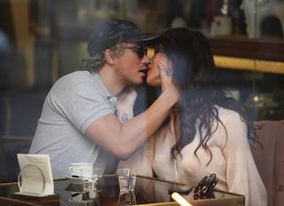 Il fidanzato di Grecia Colmenares bacia la trans Manila Gorio, avrebbe già lasciato l'attrice