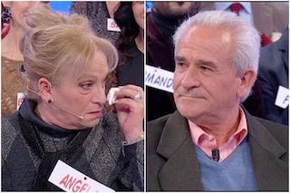 """Angela Iorio lascia Uomini e Donne, Beniamino: """"La mollo, ha un fisico da 80enne e pensa ai soldi"""""""