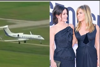 Paura per Jennifer Aniston e Courtney Cox, l'aereo perde una ruota e fa un atterraggio d'emergenza
