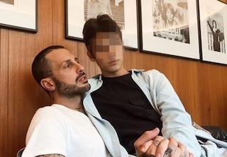 """Insulti a Carlos Corona, interviene Nina Moric: """"Da madre mi vergogno dei vostri commenti"""""""