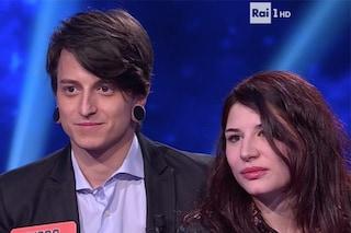 Diego Fanzaga, tutte pazze per lui: la fidanzata Nina si presenta all'Eredità e marca il territorio