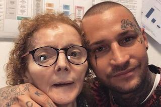 """Manuel Vallicella ricorda la mamma scomparsa: """"Il momento più duro della mia vita"""""""