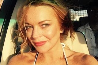 Facebook e Instagram down, Lindsay Lohan si crede hackerata dai russi e scrive a Papa Francesco
