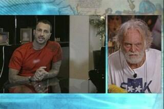 Cosa è successo tra Fabrizio Corona e Riccardo Fogli, il caso che ha travolto l'Isola dei Famosi
