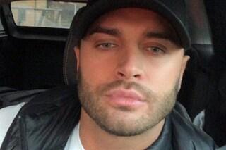 Star dei reality inglesi muore a 26 anni, trovato in un bosco il cadavere di Mike Thalassitis