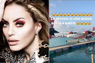 """Panico in volo per Elena Morali: """"Il copilota si è sentito male, l'aereo ha perso quota"""""""