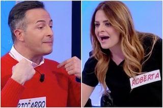 """Uomini e Donne, Roberta Di Padua prende a schiaffi Riccardo Guarnieri: """"Sei una m***a, vergognati"""""""