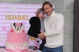 """Francesco Totti festeggia il compleanno di Isabel: """"Sono già passati tre anni, ti amo amore mio"""""""