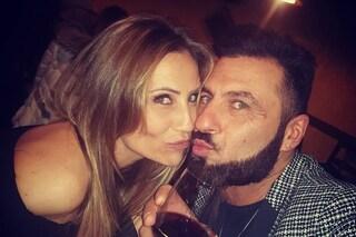 """Ursula Bennardo incinta accetta la proposta di matrimonio di Sossio Aruta: """"Ma se sbagli ti mollo"""""""