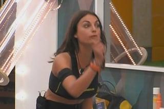 """""""Quella mongoloide"""": Francesca De Andrè a Mila Suarez, rischia la squalifica dal GF16"""
