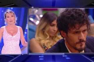 """Barbara D'Urso furiosa con Gaetano Arena: """"Mi incaz**, hai raccontato dettagli sessuali di Erica"""""""