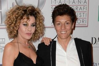 Eva Grimaldi e Imma Battaglia si sono sposate, il matrimonio in onda su Real Time