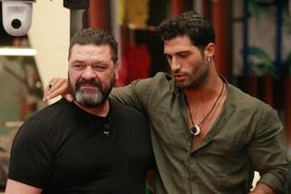 """Michael Terlizzi deriso per la malattia alle braccia, il padre Franco: """"Lasciatelo in pace"""""""