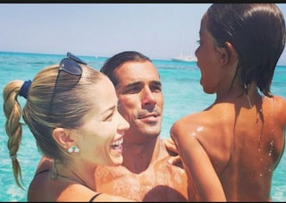 """Elena Santarelli: """"Giacomo è guarito dal cancro, ha vinto la sua battaglia"""""""