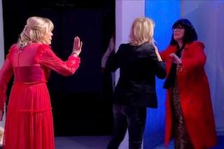 """Tina Cipollari, nuovo look ma vecchio astio verso Gemma Galgani: """"Ti butto nel cassonetto"""""""
