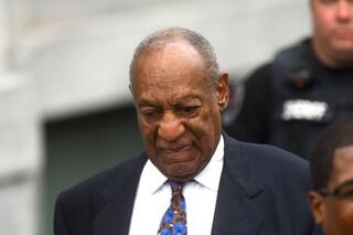 """Bill Cosby dal carcere: """"Sono il papà d'America"""", l'attore sommerso di critiche"""