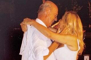 """13 anni di matrimonio per Mara Venier e Nicola Carraro ma sono lontani, lui: """"Ti voglio risposare"""""""