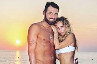 """Sossio Aruta e Ursula Bennardo in crisi: """"Ami ancora me e la bambina?"""". Ma qualcosa non torna"""