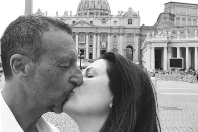Amadeus si è sposato: nozze in chiesa per il conduttore