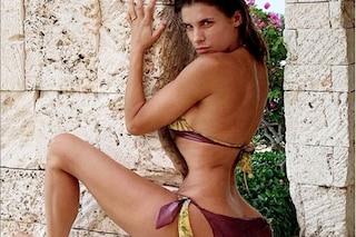 """Elisabetta Canalis con il lato b deforme: """"Basta con la storia che ci ritocchiamo le foto"""""""