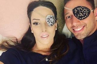 """Gessica Notaro e il fidanzato Marco bendati: """"Amare è imparare a mettersi nei panni dell'altro"""""""