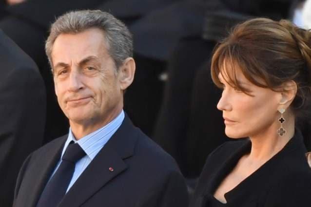 """Carla Bruni: """"Se Nicholas Sarkozy fa il brillante con un'altra gli taglio la gola nel sonno"""""""