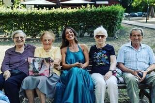 """Raffaella Mennoia riflette su Instagram: """"I ragazzi si sentono invincibili, la vecchiaia è saggezza"""""""