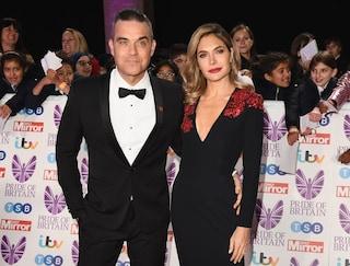 Robbie Williams e Ayda Field sposi per la seconda volta a dieci anni dalle nozze
