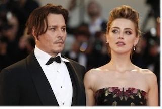 """Nuove accuse di Johnny Depp all'ex moglie Amber Heard: """"Mi spense una sigaretta sul volto"""""""