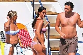 Maria De Filippi e Raffaella Mennoia, relax a bordo dello yacht dopo le polemiche su Uomini e Donne
