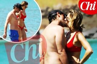 Eleonora Pedron ritrova l'amore tra le braccia di Fabio Troiano, le foto del bacio
