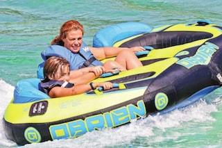 Vanessa Incontrada al mare con il figlio Isal prima di tornare in tv con 'Angela' e Gigi D'Alessio