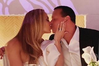 Jennifer Lopez e Alex Rodriguez sempre più innamorati festeggiano il loro fidanzamento