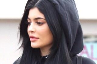 """Kylie Jenner in ospedale: """"Sono molto malata, dovrò saltare la sfilata di Parigi"""""""