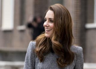 """""""Kate Middleton è incinta del quarto figlio"""", il gossip dalla Gran Bretagna"""