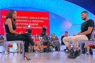 """Uomini e Donne: Andrea Filomena vicino a Jessica, De Filippi: """"Perdonala"""" ma lui vede Ida Platano"""