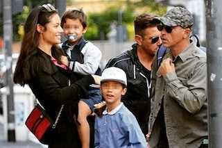 Eros Ramazzotti e Marica Pellegrinelli insieme dopo la separazione, portano a scuola la figlia
