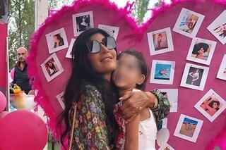 """Festa a tema """"Pamela Prati"""" per la figlia di Guendalina Tavassi, la showgirl star del party"""