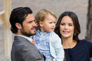 Il re di Svezia ha tolto il titolo nobiliare ai nipoti, 5 bambini rimossi dalla famiglia reale
