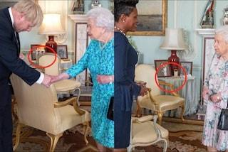 Scomparsa la foto del Principe Harry e di Meghan: mistero a Buckingham Palace