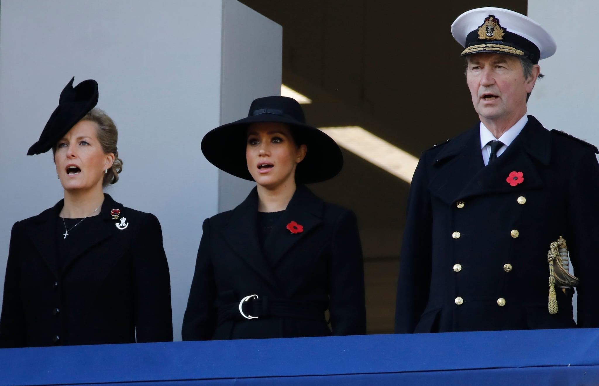 Meughan Markle in un balcone separato con la contessa di Wessex Sophie e il Vice Ammiraglio Timothy Laurence
