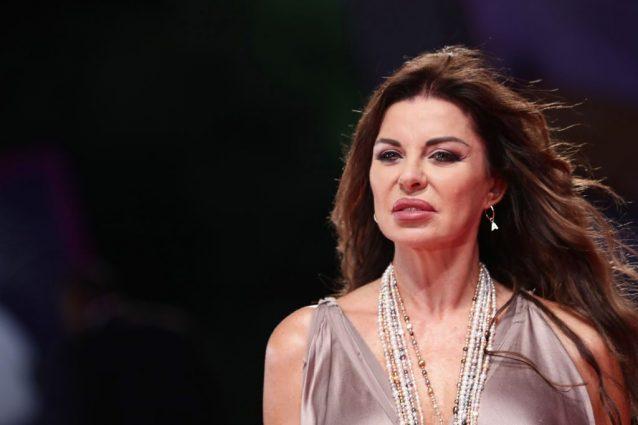 Alba Parietti Confessa Mio Zio E Stato Chiuso In Manicomio Mia Madre Era Schizofrenica