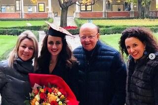 """Massimo Boldi in festa, la figlia Marta si è laureata: """"Sono fiero di te"""""""