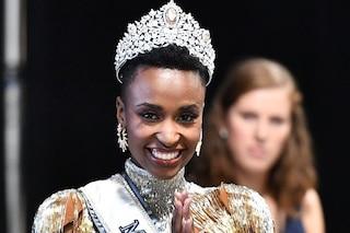 Zozibini Tunzi è Miss Universo 2019: la prima donna nera del Sud Africa a vincere il titolo