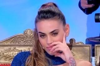 """Veronica Burchielli lascia UeD con Alessandro, Tina: """"Cretina, ti strappo i capelli e ti trascino"""""""