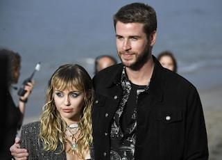 Miley Cyrus e Liam Hemsworth hanno divorziato: i due sono tornati ufficialmente single