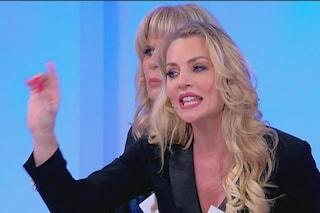 """Armando Incarnato a Veronica: """"Hai finito di fare la santa"""" e De Filippi sbotta: """"Così esageri"""""""